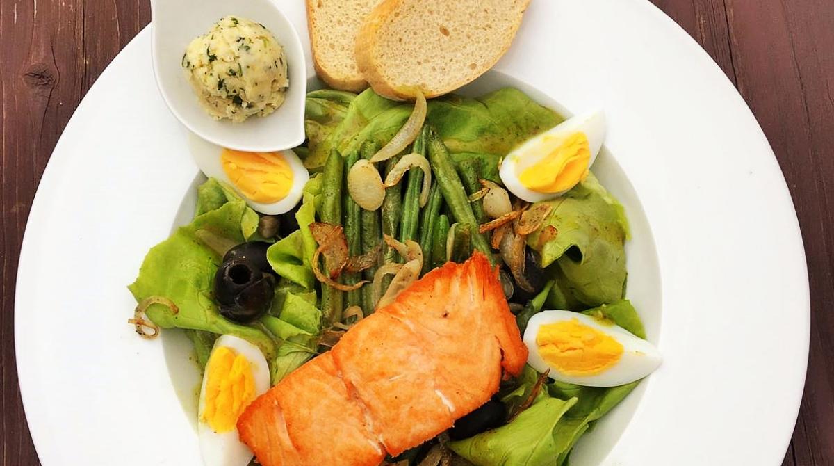 Sałatka - obiad - restauracja Bukowa Przystań Barlinek