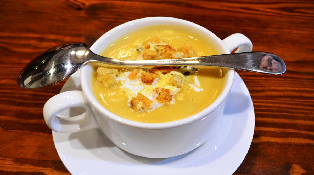 Zupa dyniowa - obiad - restauracja Bukowa Przystań Barlinek