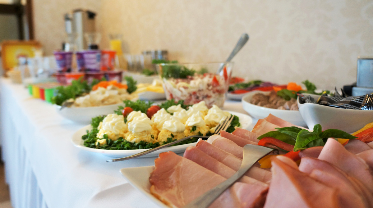 Śniadania 2 - szewdzki stół - restauracja - Bukowa Przystań Barlinek